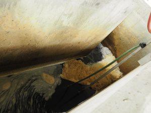 Voici l'effet des produits agglomérants : cette mousse est tout à fait normale et ne se retrouve pas dans l'eau de consommation !